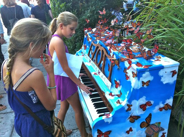 butterfly piano